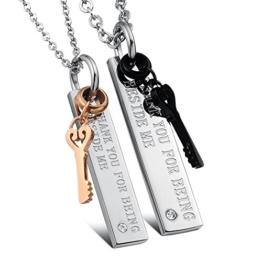 Kim Johanson Pärchen Halsketten für verliebte aus Edelstahl mit Schlüssel und Gravur inkl. Schmuckbeutel -